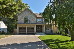 23 Ben Machree Dr, Mississauga