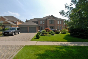 5 Glenayr Rd, Richmond Hill