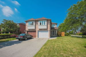 558 Willowick Dr, Newmarket