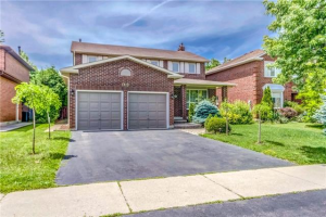 1121 Pilgrims Way, Oakville