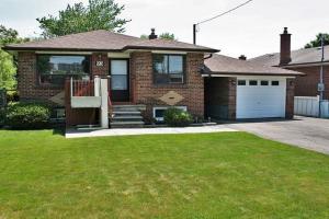 93 Mountland Dr, Toronto