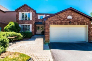 18 Coulton Crt, Whitby