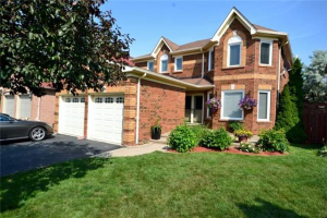 3214 Bloomfield Dr, Mississauga