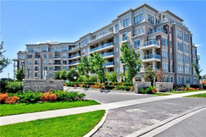 9 Stollery Pond Cres, Markham