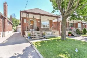 25 Danesbury Ave, Toronto