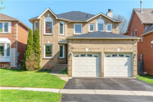 105 Hearne Cres, Ajax