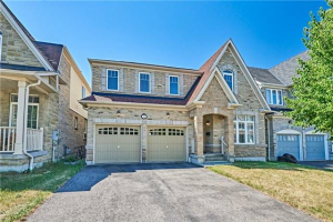 31 Byram Downs St, Ajax