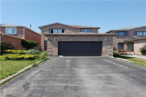 909 Rambleberry Ave, Pickering