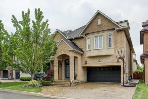 19 Seabreeze Ave, Vaughan