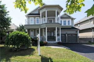 187 Carnwith Dr W, Whitby