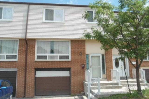 3525 Brandon Gate Dr, Mississauga