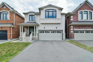 $915,000 • 14 Alister Dr , Credit Valley