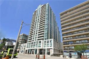212 Eglinton Ave, Toronto