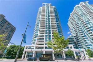 230 Queens Quay W, Toronto