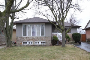 7 Coniston Ave, Brampton