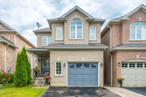 41 Cottage Cres, Whitby