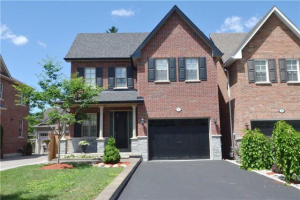16 James Scott Rd, Markham