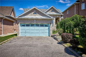 53 Markwood Cres, Whitby