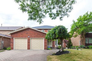 58 Rice Dr, Whitby