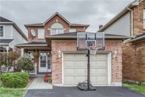 34 Monk Cres, Ajax