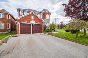 276 Mountainberry Rd, Brampton