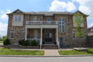 52 Reginald Lamb Cres, Markham