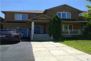 626 Society Cres, Newmarket