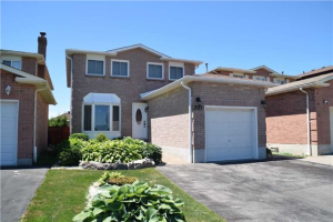 283 Ravenscroft Rd, Ajax