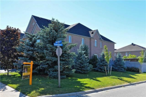 3137 Bentley Dr, Mississauga