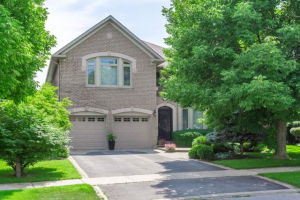2297 Carpenters Circ, Oakville