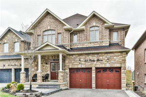 707 Emily Grve, Newmarket