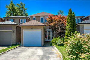 80 Lund St, Richmond Hill