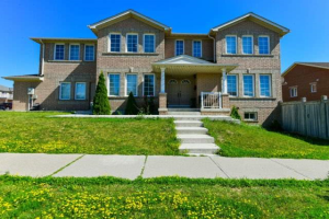 609 Ray Lawson Blvd, Brampton