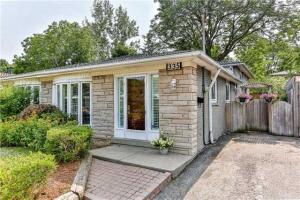 335 Woodsworth Rd, Toronto