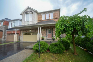 128 Reeves Way Blvd, Whitchurch-Stouffville
