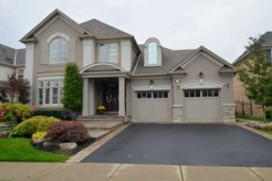 755 Canyon St, Mississauga