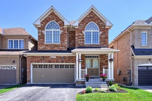 752 Millard St, Whitchurch-Stouffville