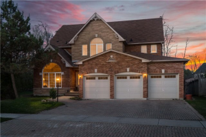 141 Sandcherry Crt, Pickering
