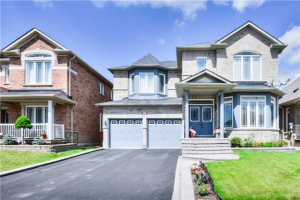 361 Queen Mary Dr, Brampton