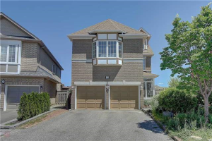28 Champagne Crt, Richmond Hill