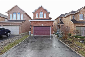 47 Woodhaven Cres, Richmond Hill