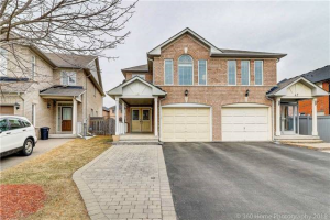 49 Rideau Dr, Richmond Hill
