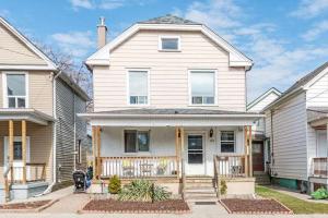43 Rosemont Ave, Hamilton