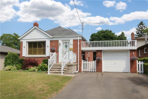 $1,095,000 • 98 Glen Albert Dr, Toronto