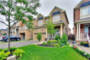 49 Braith Cres, Whitchurch-Stouffville