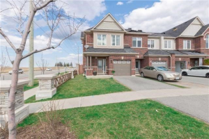 90 Courtland Cres, Newmarket