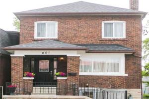 601 Jane St, Toronto