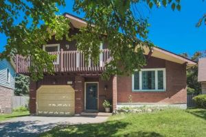 1752 Ada Crt, Pickering