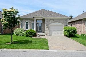 10 Faldos Flight St, Whitchurch-Stouffville