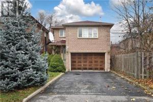81A Vanbrugh Ave, Toronto